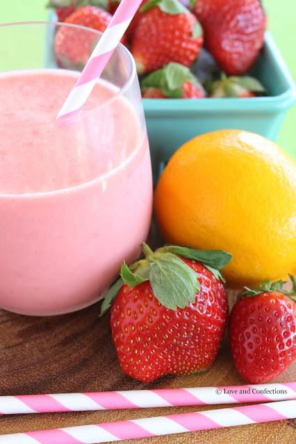 Frozen Strawberry Lemonade from LoveandConfections.com #SundaySupper #FLStrawberry