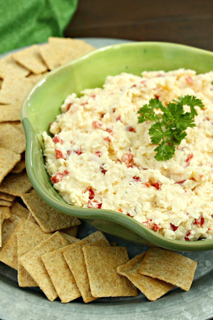White Cheddar Pimento Cheese Spread from LoveandConfections.com #BrunchWeek #sponsored