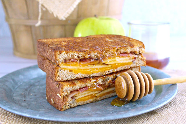 Harvest Apple Grilled Cheese Sandwich from LoveandConfections.com #AppleWeek #sponsored