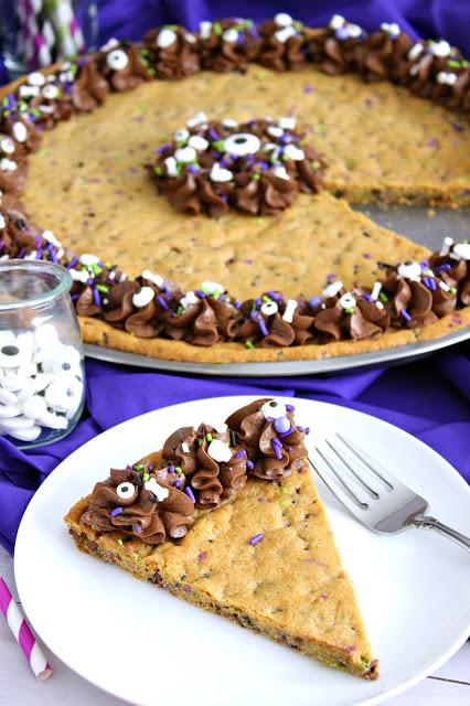 Halloween Sprinkle Cookie Cake from LoveandConfections.com #HalloweenTreatsWeek #ad